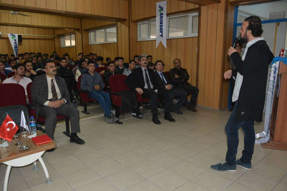 AKINSOFT Yönetim Kurulu Başkanı Dr Özgür AKIN Aydın Söke Endüstri Meslek Lisesinde - 4