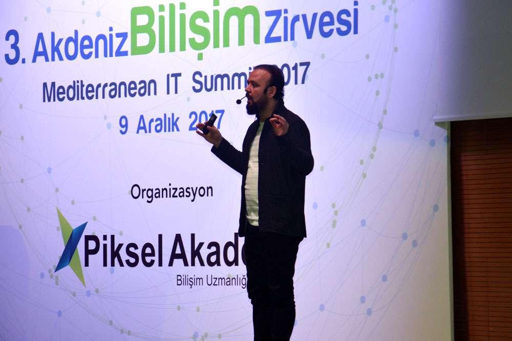 AKINSOFT Yönetim Kurulu Başkanı Dr Özgür AKIN  Antalyada Düzenlenen 3 Akdeniz Bilişim Zirvesinde - 34