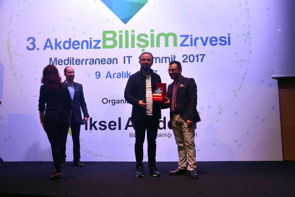 AKINSOFT Yönetim Kurulu Başkanı Dr Özgür AKIN  Antalyada Düzenlenen 3 Akdeniz Bilişim Zirvesinde - 19