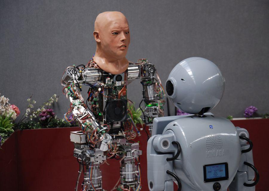 İnsansı Robotlar AKINCI-4 ile Mini ADA'nın Teknoloji Sohbeti